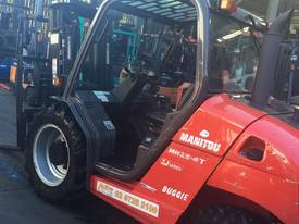Manitou MH25-4T Buggie 4x4 Forklift Diesel 2.5Ton  - picture7' - Click to enlarge