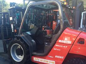 Manitou MH25-4T Buggie 4x4 Forklift Diesel 2.5Ton  - picture10' - Click to enlarge