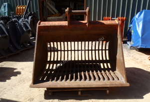 LITTLE JOHN Sorting Screening Rake Sieve Bucket for Hire