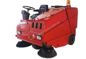 PETROL POWERED RIDE ON SWEEPER