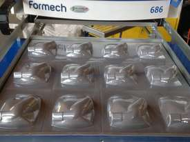 FORMECH 686 Vacuum Forming Machine - picture2' - Click to enlarge