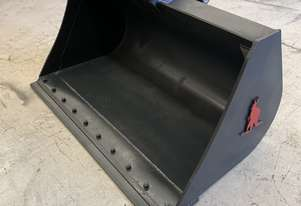 Roo Attachments 6-8 Tonne Mud Batter Bucket 1500 mm