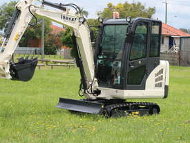 Jobcat 2017 Mini Excavator SM925 Cabin AC / Quick Hitch  and 3 Years Warranty - picture6' - Click to enlarge