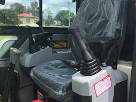 Jobcat 2017 Mini Excavator SM925 Cabin AC / Quick Hitch  and 3 Years Warranty - picture15' - Click to enlarge