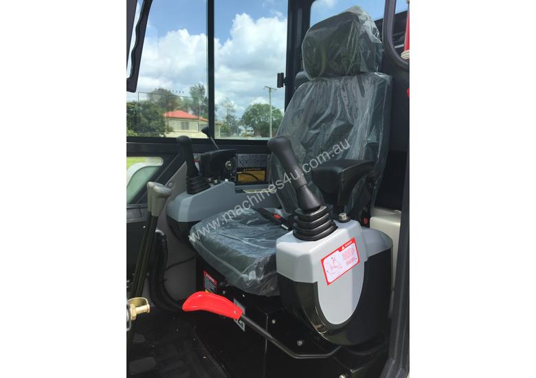 Jobcat 2017 Mini Excavator SM925 Cabin AC / Quick Hitch  and 3 Years Warranty