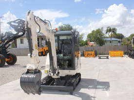 Jobcat 2017 Mini Excavator SM925 Cabin AC / Quick Hitch  and 3 Years Warranty - picture2' - Click to enlarge