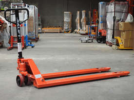 Fork length 1800mm hand pallet jack, fork width 550mm, capacity 2t - picture0' - Click to enlarge