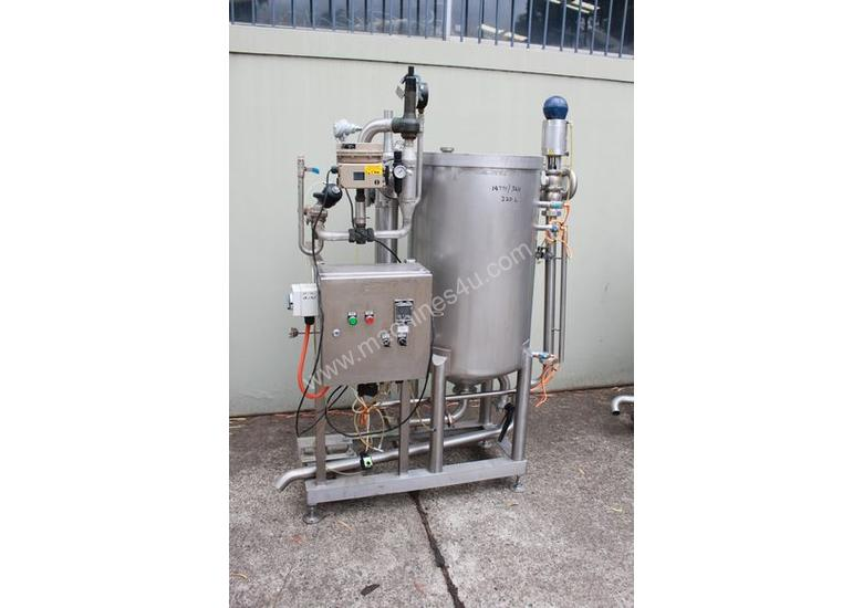 Tank with Heat Exchanger