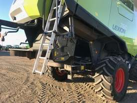 Claas Lexion 760TT Header(Combine) Harvester/Header - picture3' - Click to enlarge