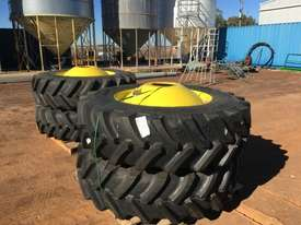 John Deere  Tyre Tyre/Rim - picture0' - Click to enlarge
