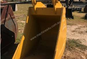 Trenching Bucket With Teeth
