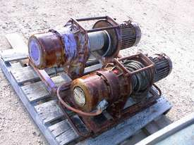 Pacific Electric winch/hoist - picture4' - Click to enlarge