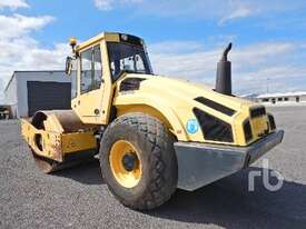 BOMAG BW211D-4 Vibratory Roller - picture1' - Click to enlarge