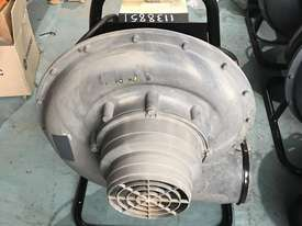 Lincoln Welding Extraction Fan Mobiflex 100-NF Portable Blower Electric 240 Volt Power 765 CFM Air F - picture1' - Click to enlarge