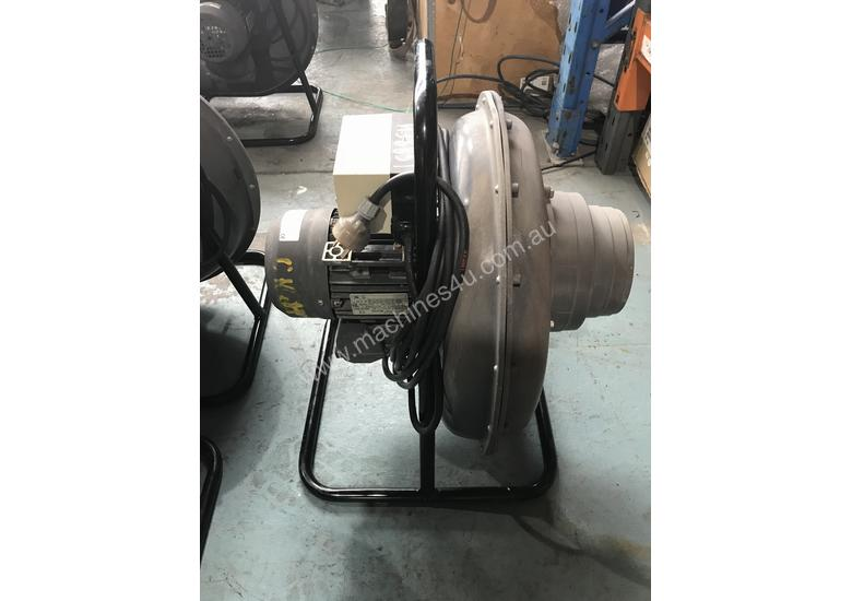Lincoln Welding Extraction Fan Mobiflex 100-NF Portable Blower Electric 240 Volt Power 765 CFM Air F