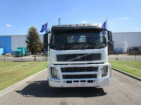 Volvo FM300 Crane Truck Truck - picture3' - Click to enlarge