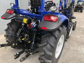 60HP 4WD ROPS TRACTOR WITH 4 IN 1 LOADER - picture5' - Click to enlarge