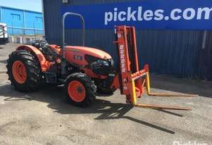 Kubota 2013   M8540 Narrow