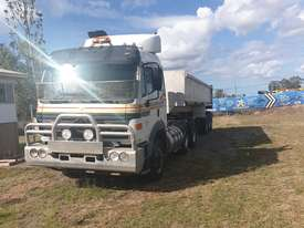 Mercedes Benz  2550 prime mover - picture2' - Click to enlarge