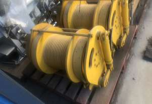 UTILITY WINCH & PERSON LIFTING WINCH