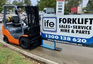Toyota current model forklift as new condition this machine has really low hours