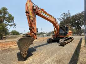 Low hour 30t excavator with attachments  - picture0' - Click to enlarge