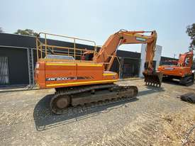 Low hour 30t excavator with attachments  - picture1' - Click to enlarge