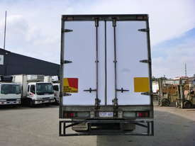 2008 Isuzu FH FVM Sitec 295 6x2 Refrigerated Truck  - picture2' - Click to enlarge