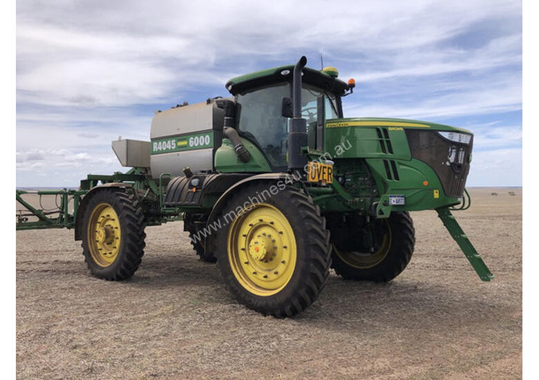 2016 John Deere R4045 Sprayers
