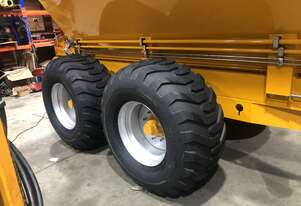 550/60-22.5 flotation tyre and rim