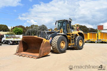 John Deere 844K Wheeled Loader For Sale