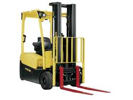 J1.8XNT 3 Wheel Electric Forklift - picture1' - Click to enlarge