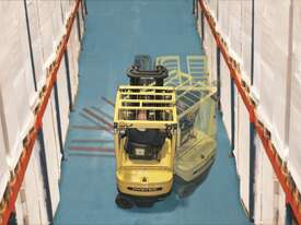 J1.8XNT 3 Wheel Electric Forklift - picture2' - Click to enlarge