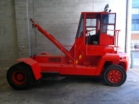 16T 20-40 Foot Container Stacker Forklift (5 high) - picture1' - Click to enlarge