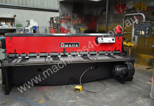 Used Amada Guillotine M-2545  ** Demo today