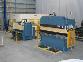 EPIC 3070 x 6.5mm Over Driven Individual Clamp Hydraulic Guillotine   - picture7' - Click to enlarge