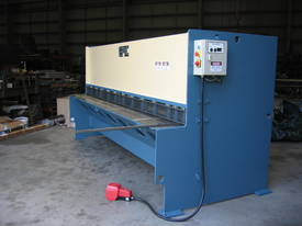 EPIC 3070 x 6.5mm Over Driven Individual Clamp Hydraulic Guillotine   - picture10' - Click to enlarge