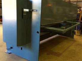 EPIC 3070 x 6.5mm Over Driven Individual Clamp Hydraulic Guillotine   - picture5' - Click to enlarge