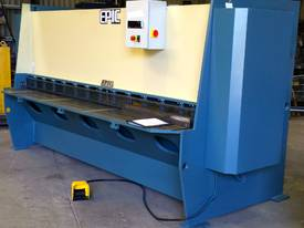 EPIC 3070 x 6.5mm Over Driven Individual Clamp Hydraulic Guillotine   - picture1' - Click to enlarge