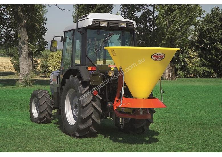 XL 500 Poly Spreader