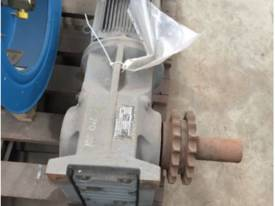 SEW EURODRIVE GEARED MOTOR AND GEARBOX S67DRE #G