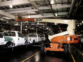 JLG M600JP Electric Boom Lift - picture11' - Click to enlarge