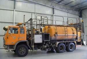 International Acco 2250D Water truck Truck
