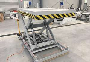 3 Tonne Hydraulic Scissor Lift. Very solid and great value