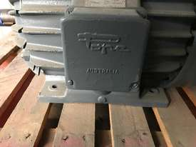 18.5 kw 25 hp 6 pole 415 v AC Electric Motor - picture2' - Click to enlarge