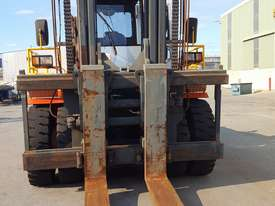 Maximal 25Tonne Forklift - picture1' - Click to enlarge