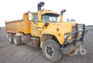 MACK R SERIES Tipper Truck (T/A)