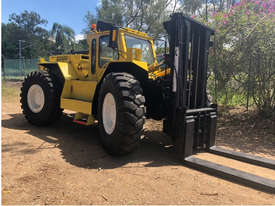 14T LiftKing (3m Lift) LK1600 4WD All Terrain Forklift - picture1' - Click to enlarge