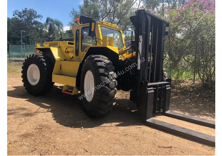 14T LiftKing (3m Lift) LK1600 4WD All Terrain Forklift