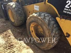 CATERPILLAR 246C Skid Steer Loaders - picture5' - Click to enlarge